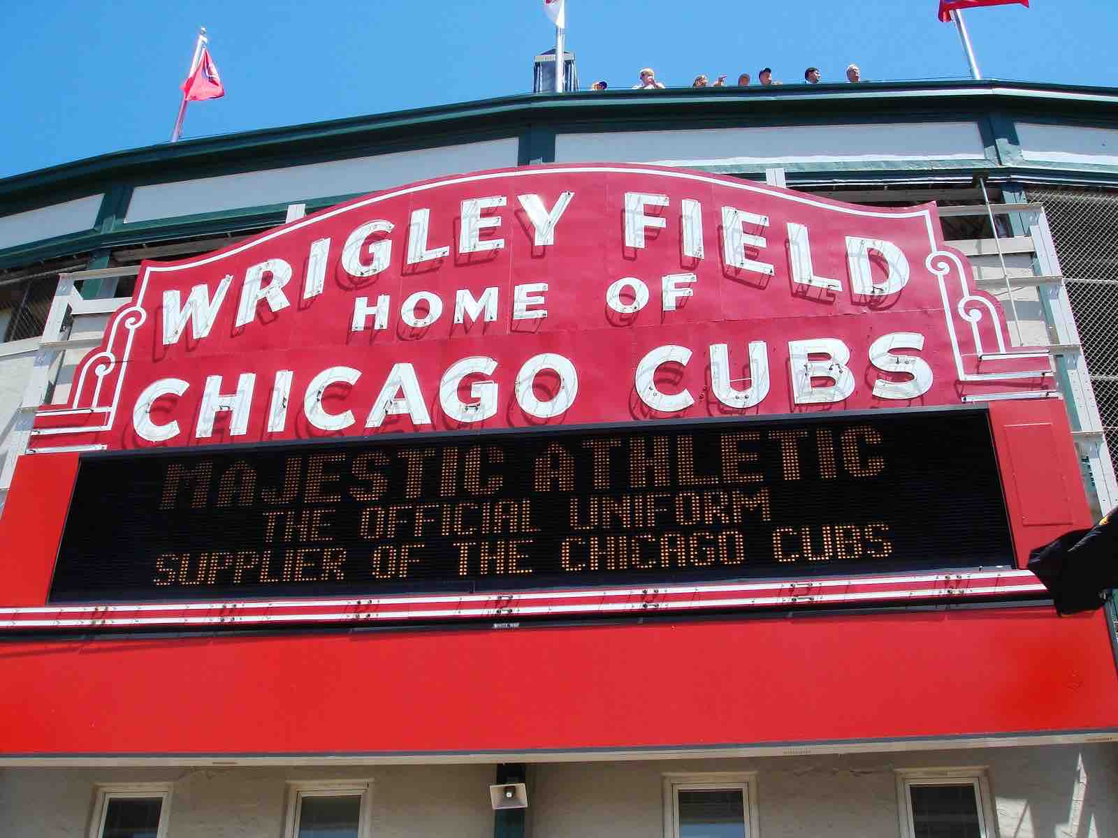 Should You Go to a Cubs or White Sox Game? Chicago MLB Games ComparedShould You Go to a Cubs or White Sox Game? Chicago MLB Games Compared