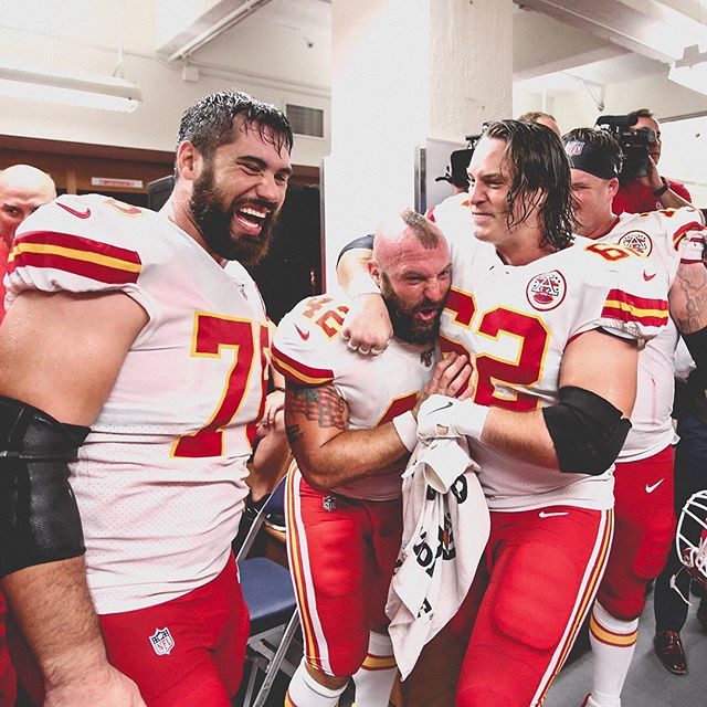 Mahomes and Kansas City Chiefs Remain Unbeaten - Shop Cheap Chiefs Tickets!